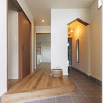 シューズクローゼットの三角開口が可愛い広々玄関