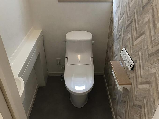 トイレの内装と便器の交換をご希望。